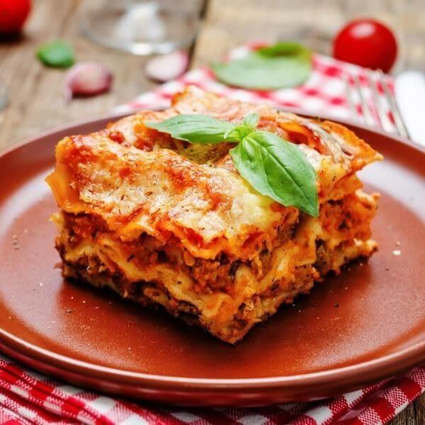 Bolognese lasagne Takeaway